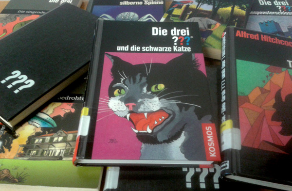 Verschiedene Buchcover von drei Fragezeichen Romane